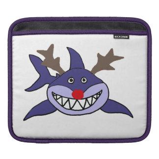 おもしろいなクリスマスの鮫のトナカイ iPadスリーブ