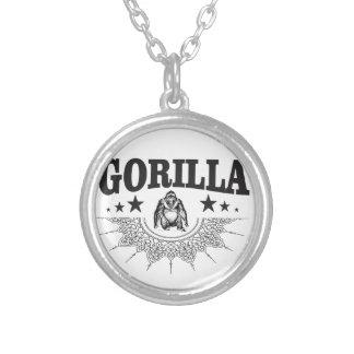 おもしろいなゴリラのラベル シルバープレートネックレス
