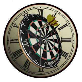 おもしろいなダート盤のデザインの柱時計 ラージ壁時計