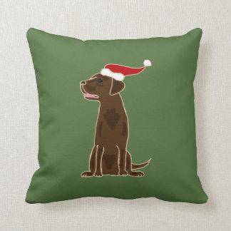 おもしろいなチョコレートラブラドル・レトリーバー犬のクリスマスの芸術 クッション