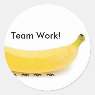 おもしろいなチーム仕事のバナナ及び蟻- ラウンドシール