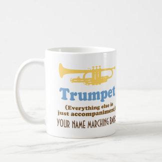 おもしろいなトランペットの冗談の名前入りな楽隊音楽のマグ コーヒーマグカップ