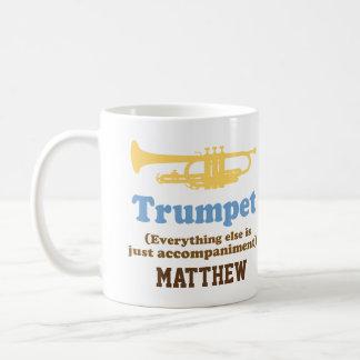 おもしろいなトランペットの冗談名前入りな音楽マグ コーヒーマグカップ