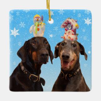 おもしろいなドーベルマン犬のクリスマスのオーナメント セラミックオーナメント