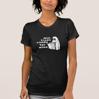 おもしろいなハロウィン|はワインのためにキャンデーを交換します Tシャツ