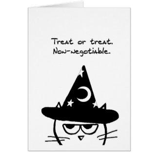 おもしろいなハロウィン-怒っている猫は御馳走だけがほしいと思います カード