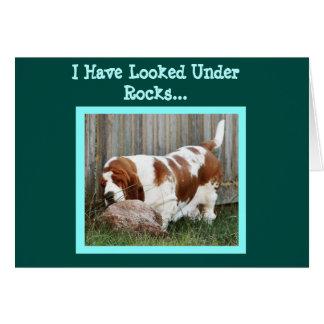 おもしろいなバースデー・カードのかわいい捜索のバセット犬 カード