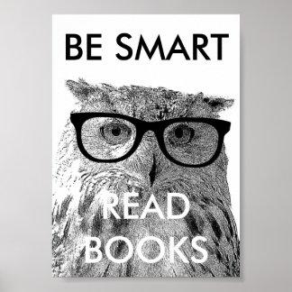 おもしろいなフクロウの写真が付いている頭が切れるな読書の本ポスターがあって下さい ポスター