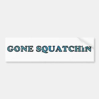 おもしろいなベストによって行くSquatchin バンパーステッカー