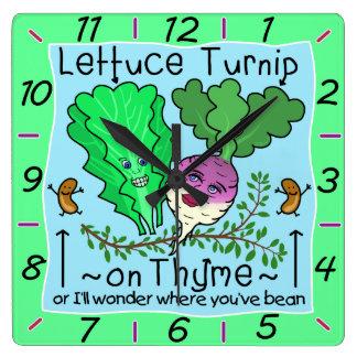 おもしろいなレタスのカブのタイムの野菜しゃれの漫画 スクエア壁時計