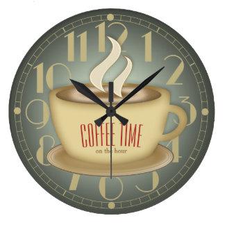 おもしろいなレトロのコーヒー時間カスタム色 ラージ壁時計