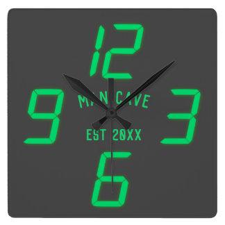 おもしろいなレトロのデジタルカスタムな柱時計 スクエア壁時計