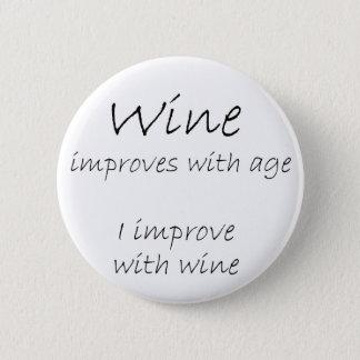 おもしろいなワインは冗談ボタンのギフトのユーモアのギフトを引用します 5.7CM 丸型バッジ