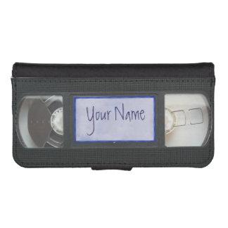 おもしろいなヴィンテージ80sレトロVHSのカセットテープの財布 iPhoneSE/5/5sウォレットケース