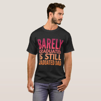 おもしろいな卒業のTシャツ Tシャツ