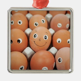 おもしろいな卵の顔-朝食用食品のプリント メタルオーナメント