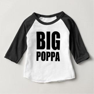 おもしろいな大きいPoppaのベビー ベビーTシャツ