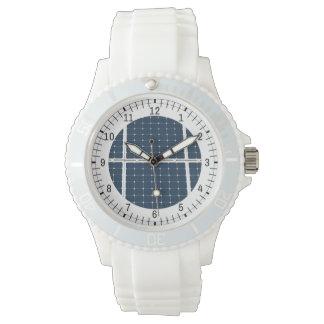 おもしろいな太陽エネルギーのパネルのイメージ 腕時計