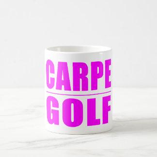 おもしろいな女の子のゴルファーの引用文: Carpeのゴルフ コーヒーマグカップ