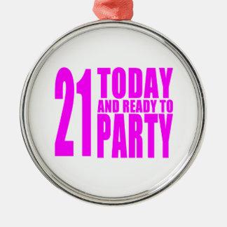 おもしろいな女の子の誕生日21はパーティを楽しむために今日用意し、 メタルオーナメント