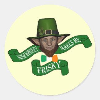 おもしろいな小妖精およびアイルランドのウィスキー ラウンドシール