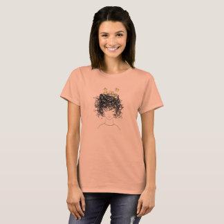 おもしろいな悪い毛の寝台兼用の長椅子の頭部の女性のTシャツ Tシャツ