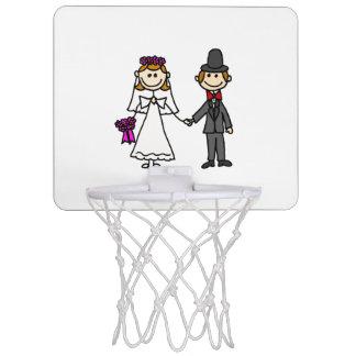 おもしろいな新郎新婦の結婚式の漫画 ミニバスケットボールゴール
