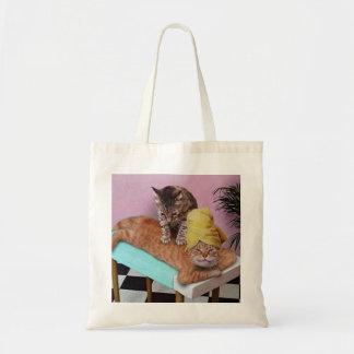 おもしろいな猫のマッサージ トートバッグ