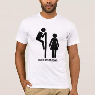 おもしろいな男女共学の化粧室のstickfigures tシャツ