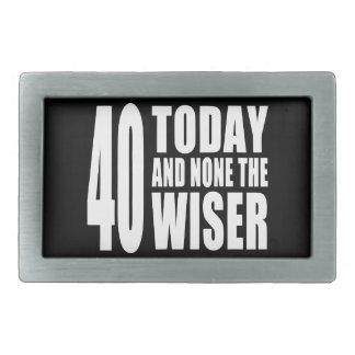 おもしろいな第40誕生日: 40今日およびどれもより賢いの 長方形ベルトバックル