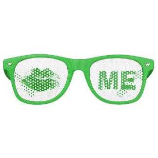 おもしろいな緑は日私にアイルランド人のセントパトリックの接吻します レトロサングラス