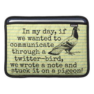 おもしろいな老齢期のTwitterの鳥ハト MacBook スリーブ
