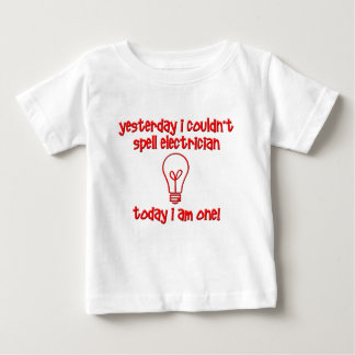 おもしろいな電気技師 ベビーTシャツ