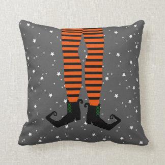 おもしろいな魔法使いの足の枕 クッション