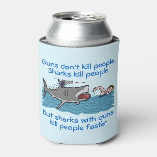 おもしろいな鮫の武装した銃砲規制のユーモア 缶クーラー