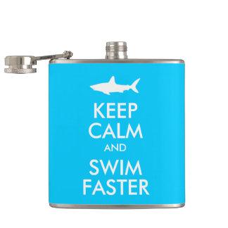 おもしろいな鮫は平静を保ち、より速いパロディを泳ぎます フラスク