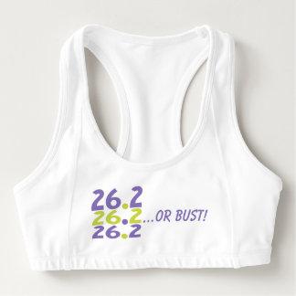 おもしろいな26.2またはバスト- 26.2マラソン選手 スポーツブラ