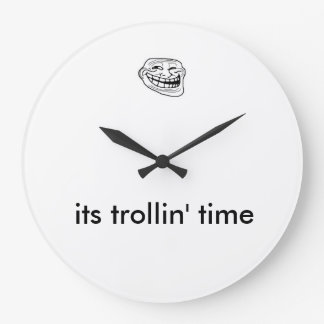 おもしろいなmodetnのトロールの顔のミームの時計 ラージ壁時計