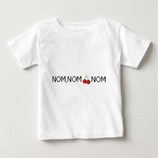 おもしろいなNOMのNOMのさくらんぼNOMのデザイン ベビーTシャツ