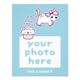 おもしろいなPoopingのユニコーンの写真の誕生日の招待状 カード