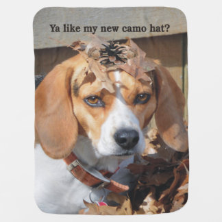 おもしろいなYaは私の新しい迷彩柄の帽子を好みますか。 ビーグル犬犬 ベビー ブランケット