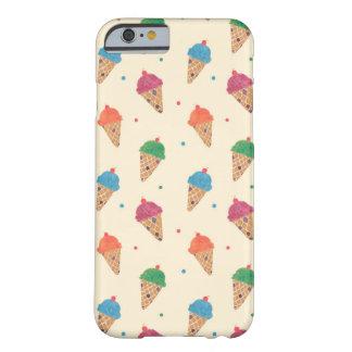 おもしろいのアイスクリームパターン BARELY THERE iPhone 6 ケース