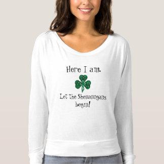おもしろいのセントパトリックの日は偽りが始まるようにしました! Tシャツ