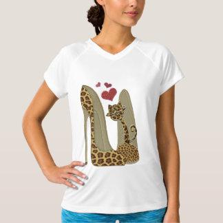おもしろいのヒョウ小剣および猫 Tシャツ