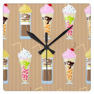 おもしろいのミルクセーキのデザイン スクエア壁時計