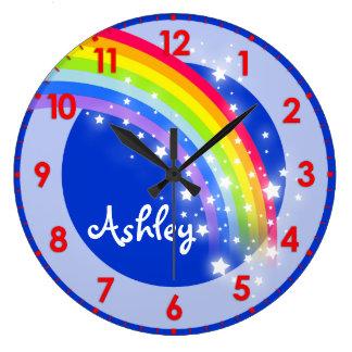 おもしろいの子供の虹の名前の青い柱時計 ラージ壁時計