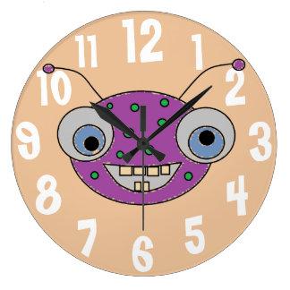 おもしろいの歯を見せるスマイル紫色モンスターの外国のデザイン ラージ壁時計