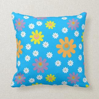 おもしろいの花の枕パターン クッション