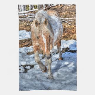 おもしろいのPalominoのペンキ牧場馬の動物愛好家の写真 キッチンタオル