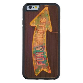 おもしろい及びスリルのヴィンテージのカーニバルの印のiphoneの場合 CarvedチェリーiPhone 6バンパーケース
